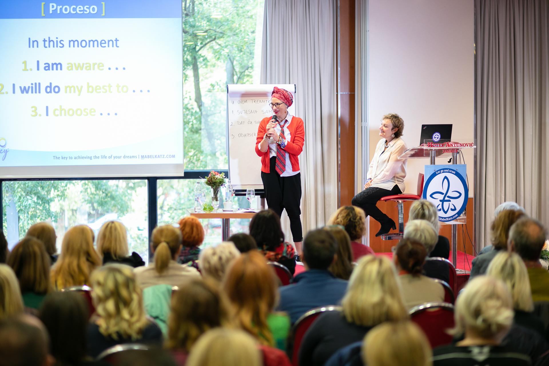 Entrenamientos & Conferencias